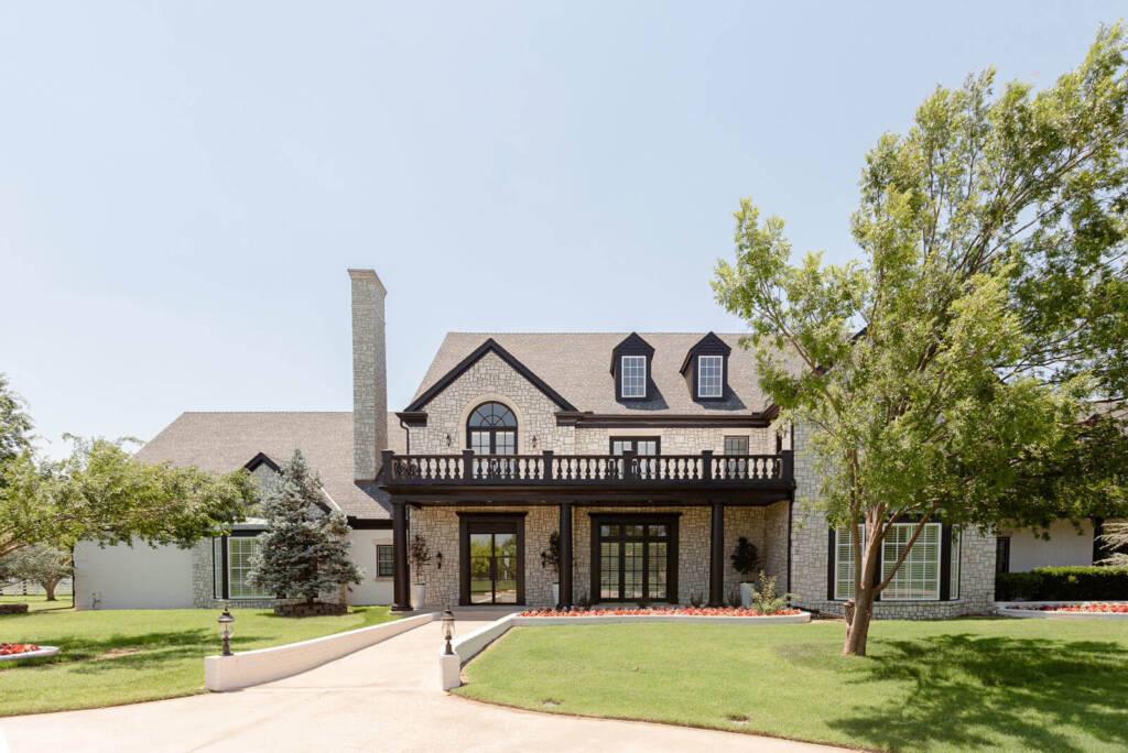 Aspen Manor Main Exterior